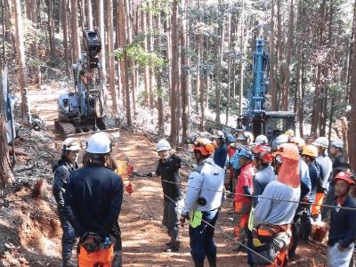 高性能林業機械研修
